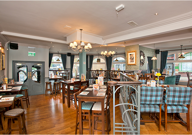 The Red Lion Hotel Pubs In Luton Serving Pub Food