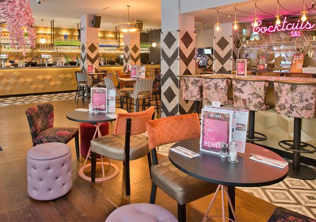 Cocktail Bar In London Aldgate Slug And Lettuce