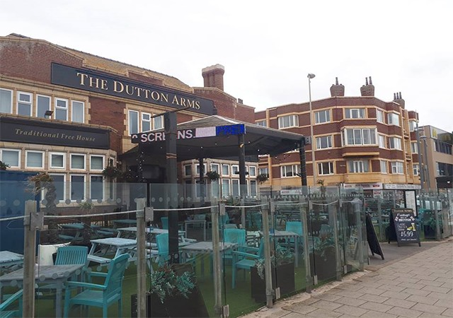 Dutton Arms Pubs In Blackpool Serving Pub Food