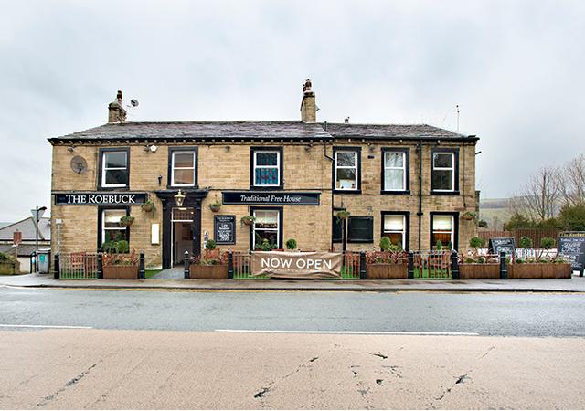 Roebuck Pubs In Keighley Serving Pub Food